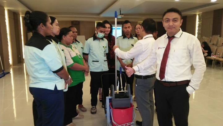 tim-trainer-profesional-cleaning-service-duta-resik