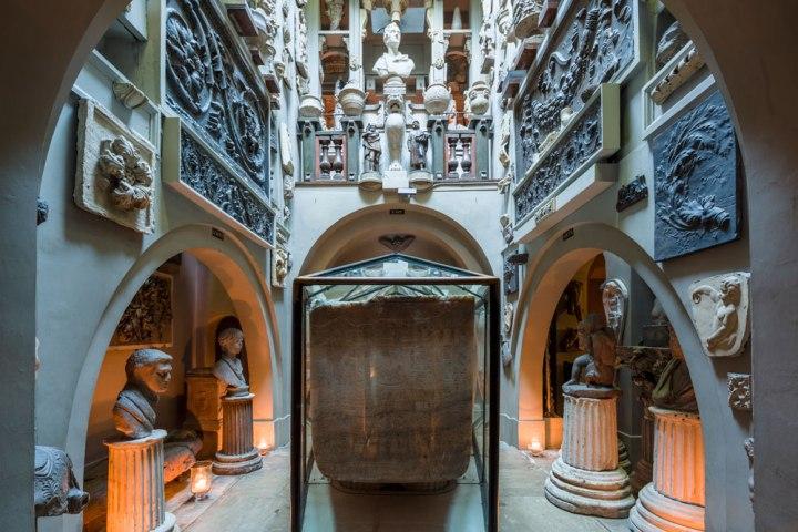 3 extravagant historical London homes // Dutch Girl in London