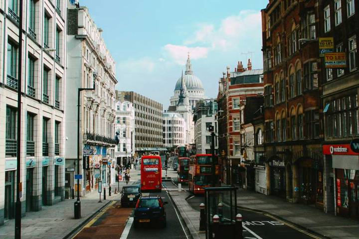 Photo of Fleet Street, London from 2005 looking towards St Paul's Cathedral