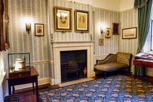 Room in the Charles Dickens House in London