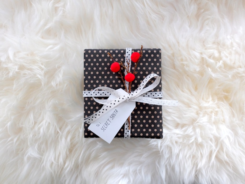 Whimsical Christmas Gift Wrap DIY | Dutchie Love