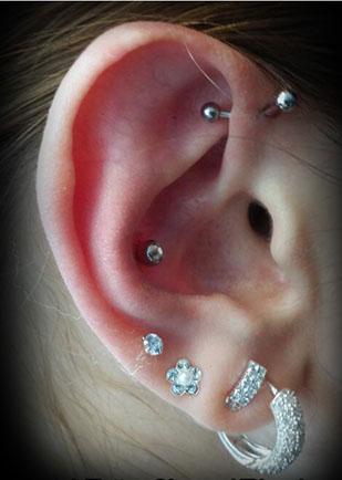 piercing-tragus-helix-oorbellen-girlie-blingjpg