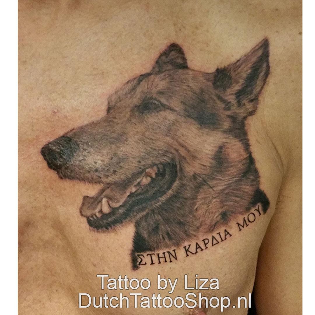 herdershond-hond-tattoo-portret-borst-zwart-grijs