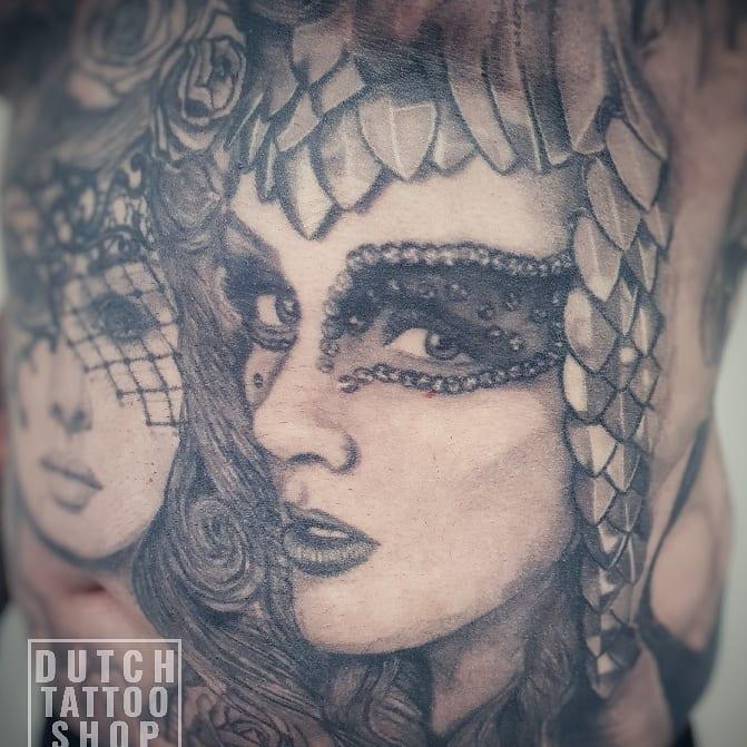 vrouwen-gezicht-portret-warrior-female-pin-up-sexy-tattoo