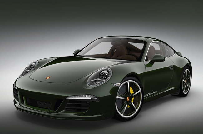 La transmisión es la misma, la caja de cambios manual de doble embrague de siete velocidades PDK del 911 Carrera S