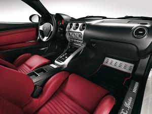 Alfa Romeo 8C Spider interior