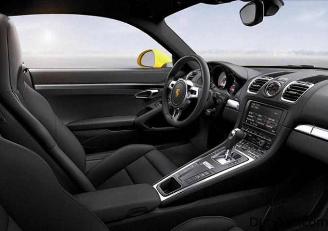 Para los que no se conforman con todo un Cayman S de serie, Porsche ofrece frenos cerámicos y un paquete deportivo con Launch Control y suspensiones deportivas.