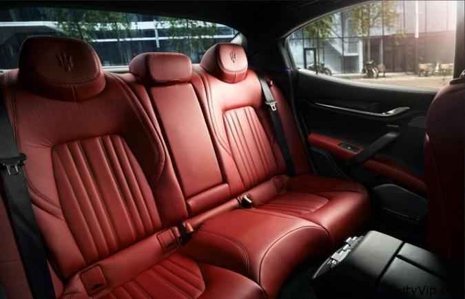Interior de lujo, en rojo furioso en este Maserati Ghibli
