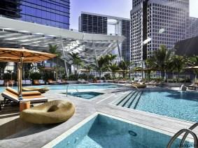Piscinas principales en el hotel en Miami East