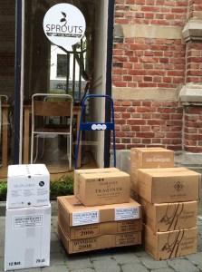foto van levering duurzame wijnen voor restaurant Sprouts