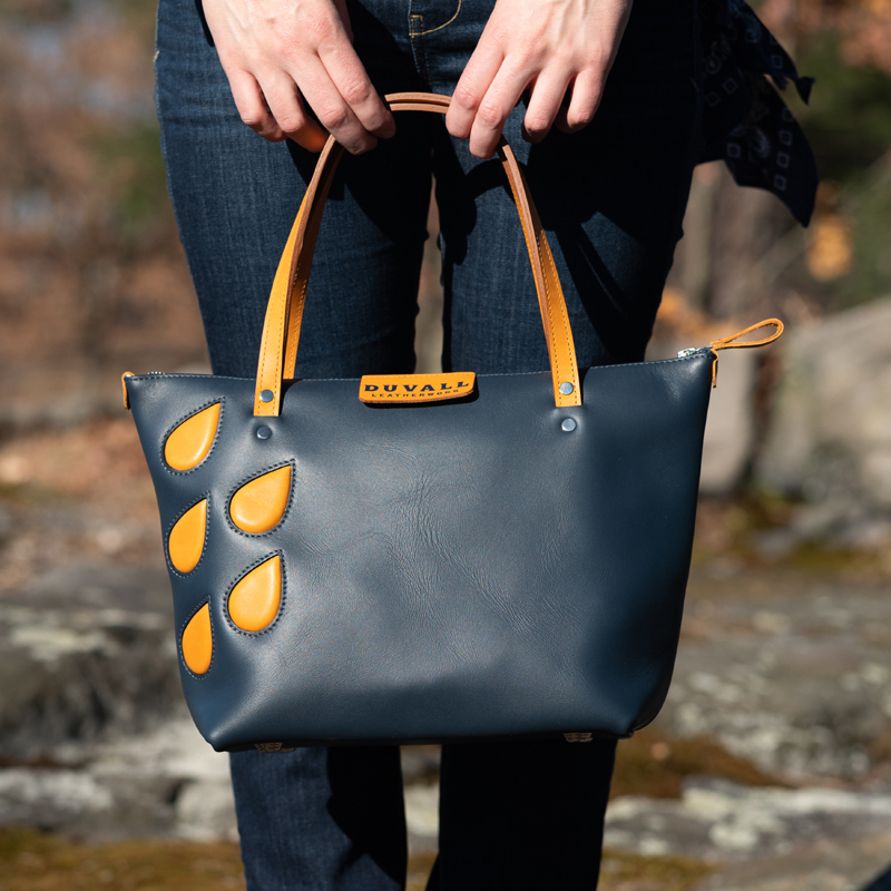 Dark blue handbag thats the perfect size