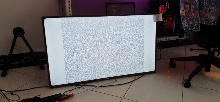 Memperbaiki TV Layar Putih Kena Air