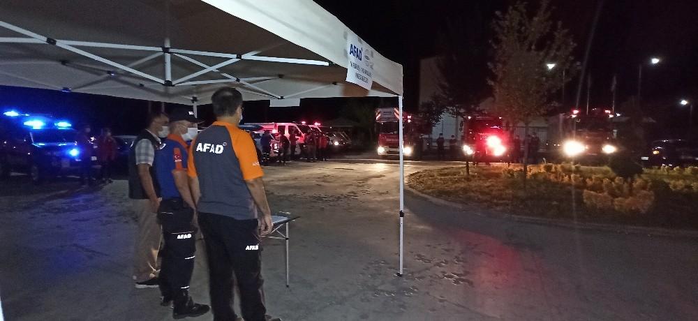 Arama kurtarma ekipleri, afet sonrasını yaşadı
