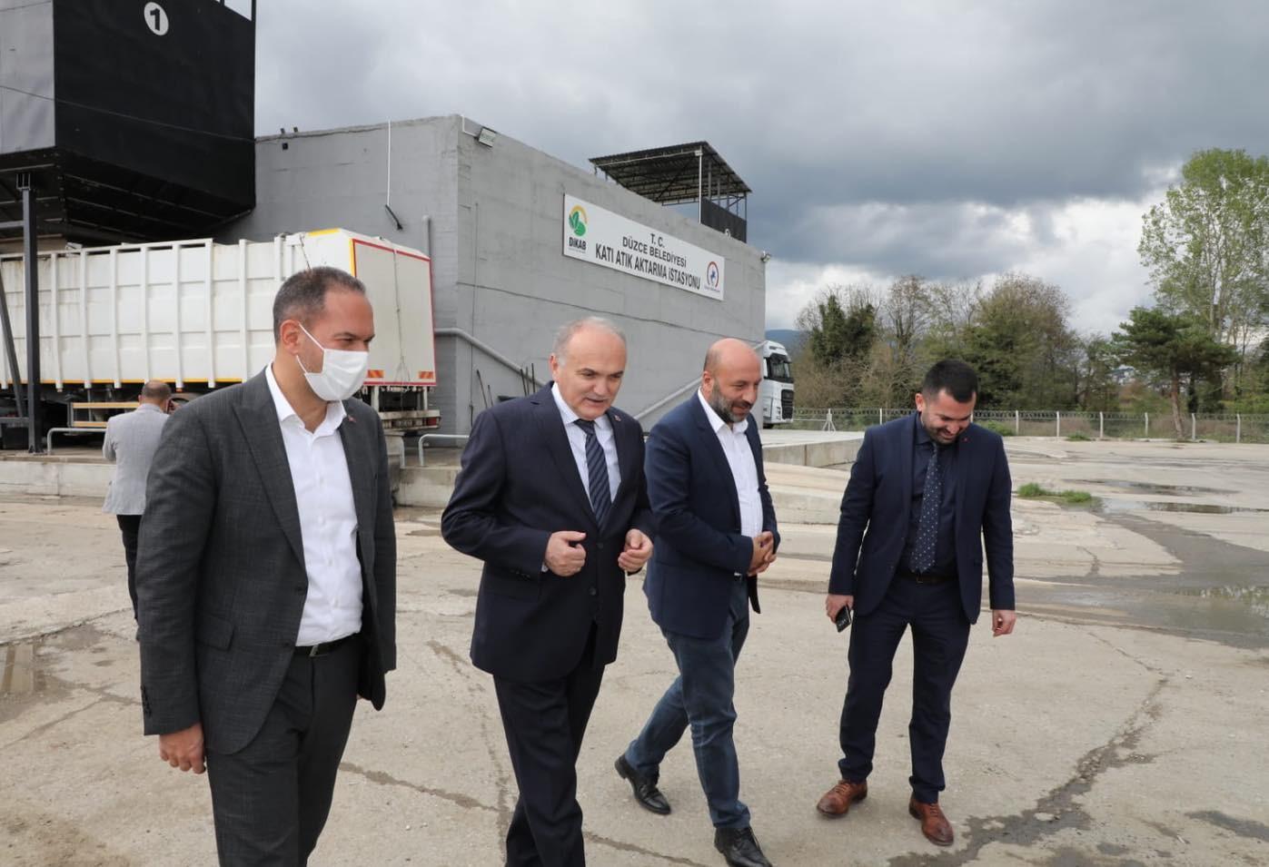 Başkan Özdemir, Düzce'nin katı atık ayrıştırma tesisini inceledi
