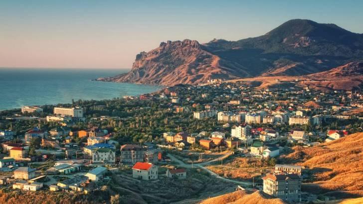 Россия в Крыму собралась лишать крымчан права на землю и недвижимость