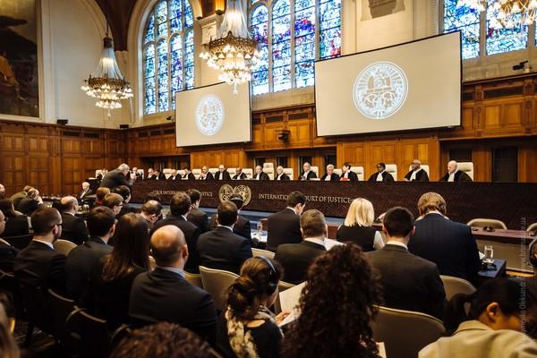 Суд в Гааге начинает слушания по иску Украины против России