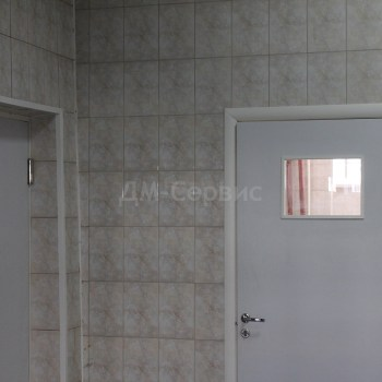 Двери облицованные пластиком cpl для медицинских учреждений