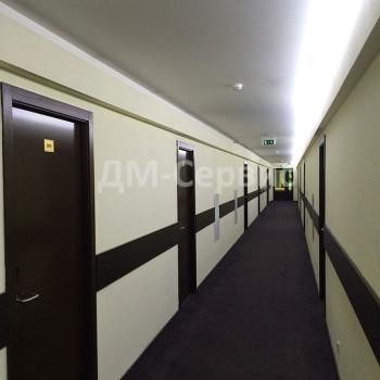 Двери для гостиницы облицованные шпоном