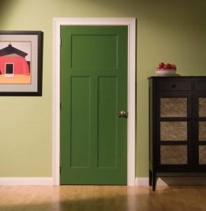 крашенная дверь для комнаты