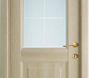 межкомнатная дверь из тополя со стеклом