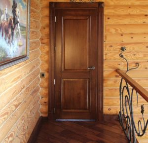 недостатки дверей из массива