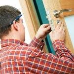 Переустановка межкомнатных дверей