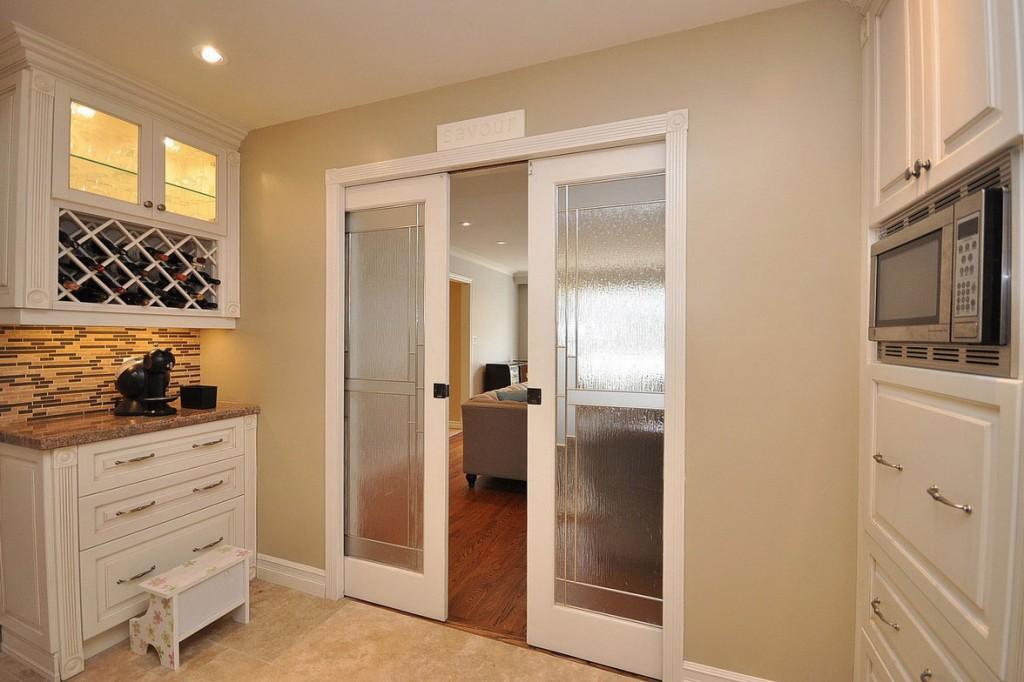 раздвижные остекленные двери