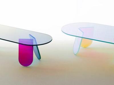 Materiales iridiscentes de Patricia Urquiola en el Salone del Mobile de Milán