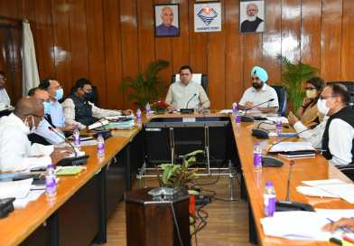 मुख्यमंत्री ने केन्द्रीय सड़क निधि के अन्तर्गत विभिन्न सड़कों की मरम्मत के लिये प्रदान की 142 करोड़ की धनराशि