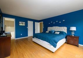 9 Sarah Court, Matawan, 07747, 3 Bedrooms Bedrooms, ,2 BathroomsBathrooms,Residential,For Sale,Sarah,2116128R