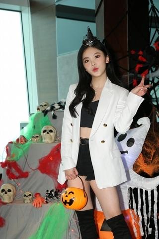 王欣晨看IU演唱會認識帥歐巴 19歲曝交過「一個半」男友 ∣ 明潮 M'INT