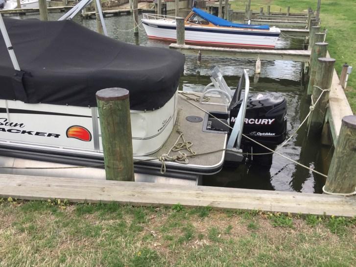 pontoon boat in slip