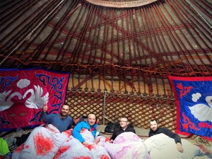 ...w kirgiskich jurtach...