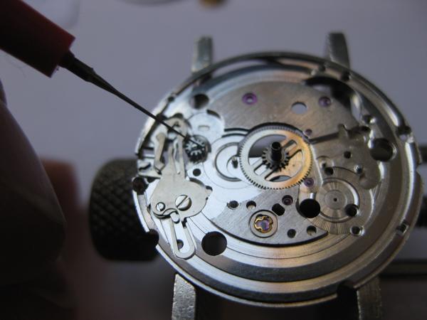 Cách sử dụng đồng hồ cơ automatic đúng cách