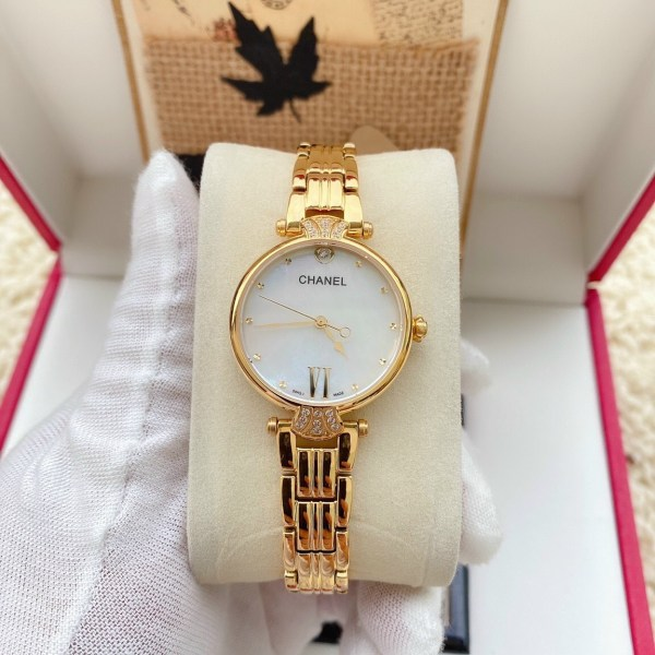 Đồng hồ Chanel nữ mặt tròn