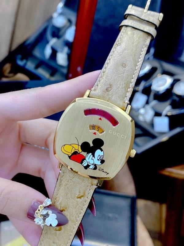 Đồng hồ Gucci dây da