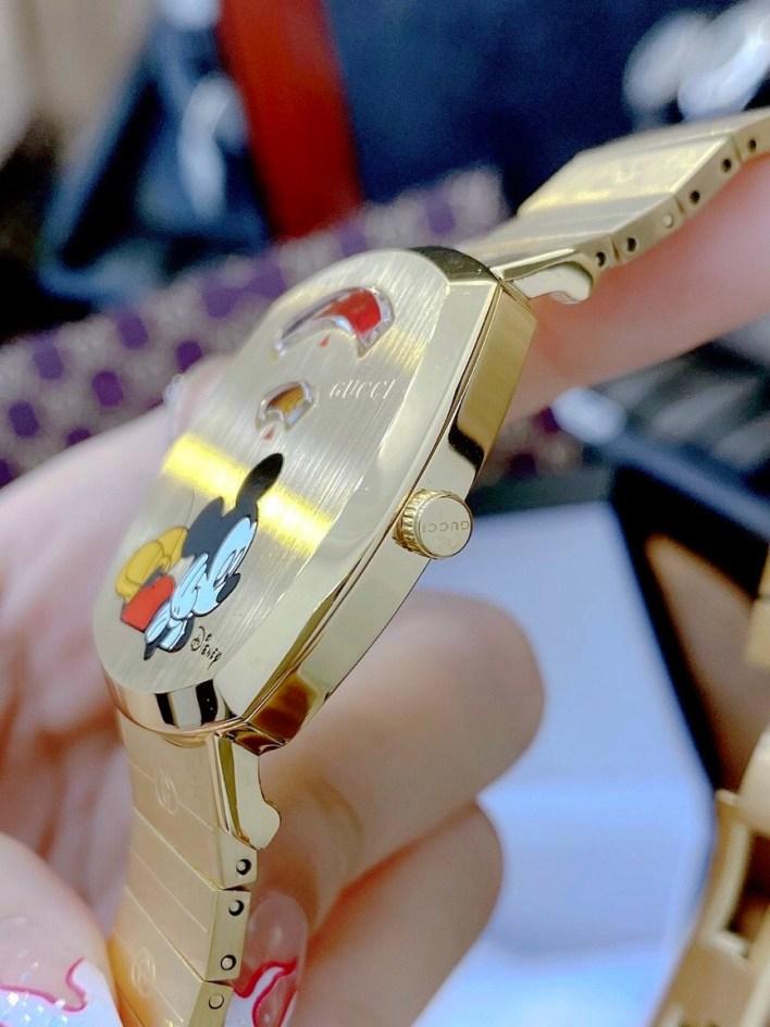 Đồng hồ Gucci mạ vàng