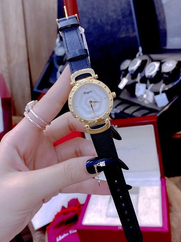 Đồng hồ Salvatore Ferragamo nữ mặt tròn