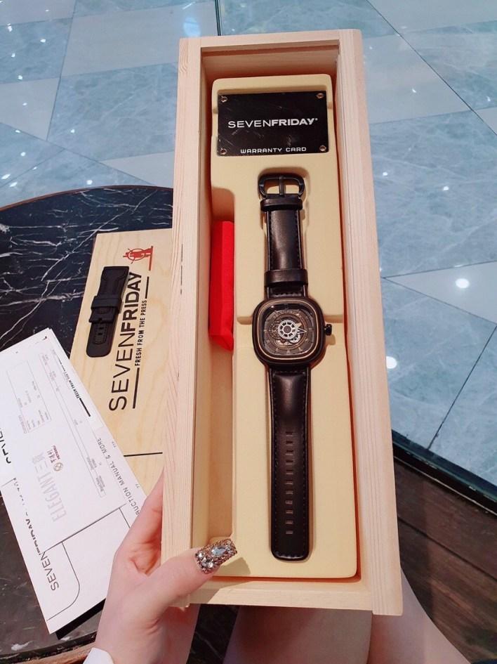 Đồng hồ SevenFriday fake