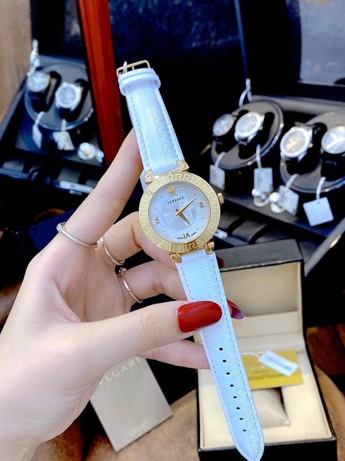 Đồng hồ Versace nữ dây da màu trắng