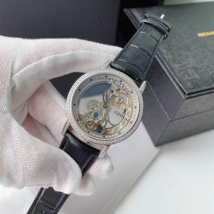 Đồng hồ Corum nam dây da