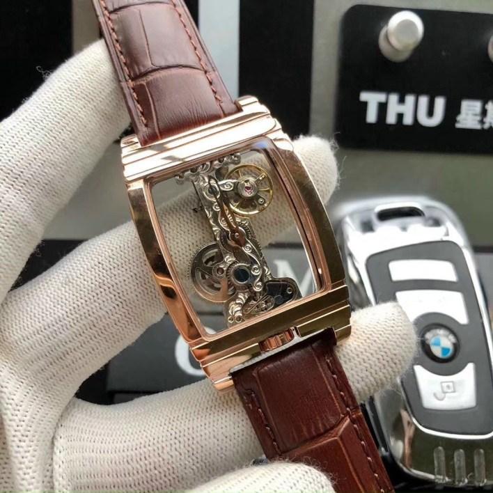 Đồng hồ Corum nam máy cơ