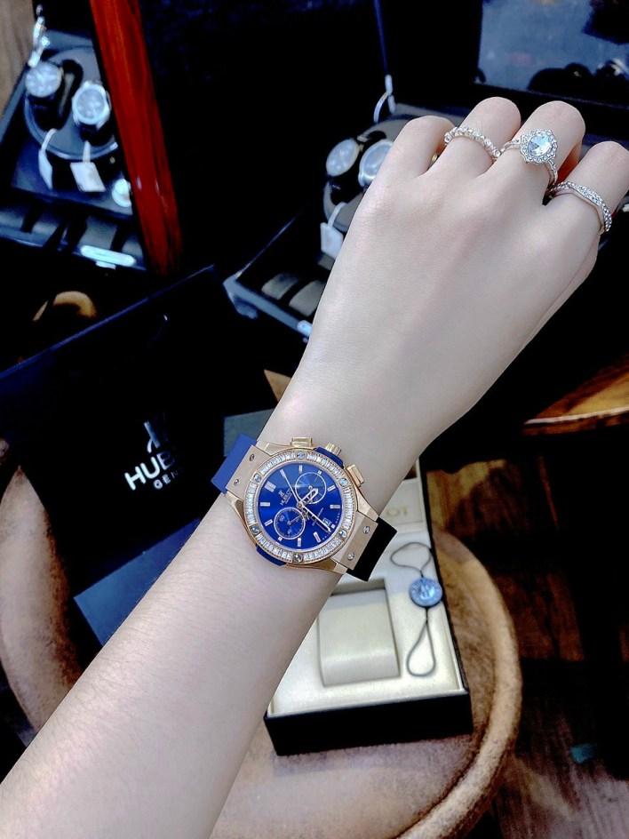 Đồng hồ Hublot nữ màu xanh dương
