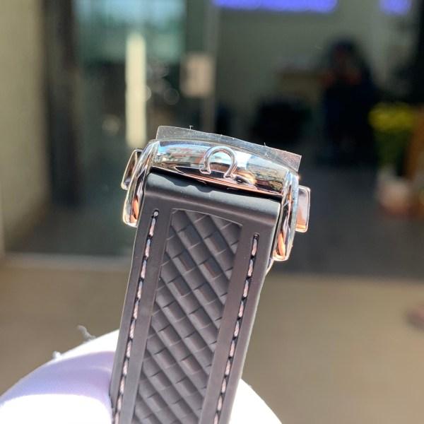 Đồng hồ Omega cơ