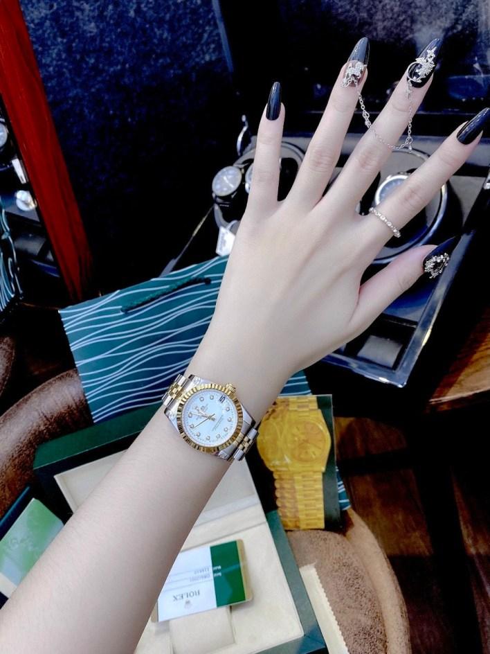 Đồng hồ Rolex nữ mặt tròn