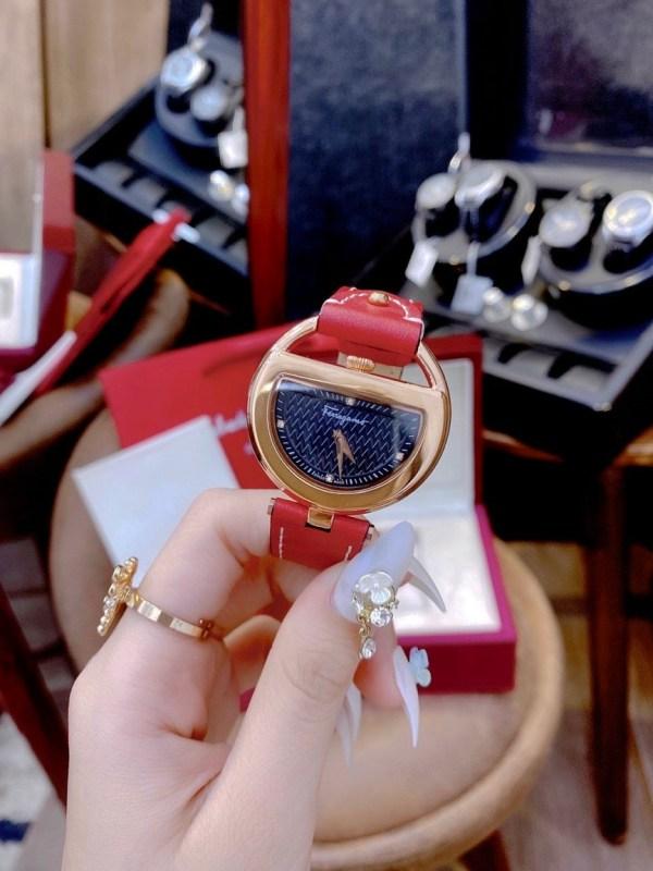 Đồng hồ Salvatore Ferragamo super fake