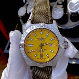 Đồng hồ Breitling Automatic