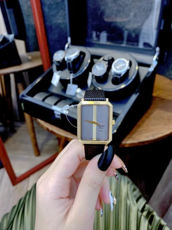Đồng hồ Dior nữ mặt chữ nhật