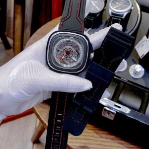 Đồng hồ SevenFriday nam dây cao su màu đen