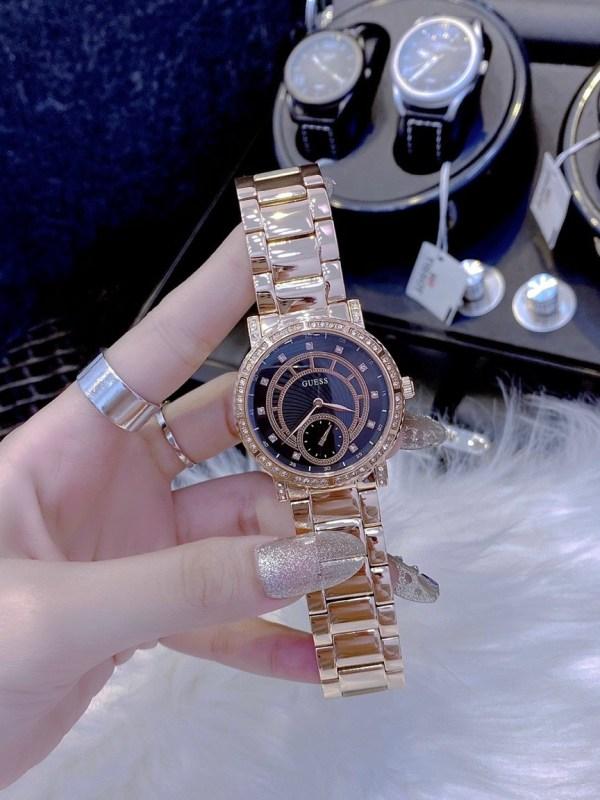 Đồng hồ nữ đính đá Guess